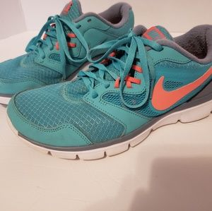 Nike flex experience Rn3 teal and pink